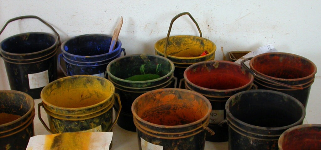 Pittura a calce colorata con pigmenti naturale