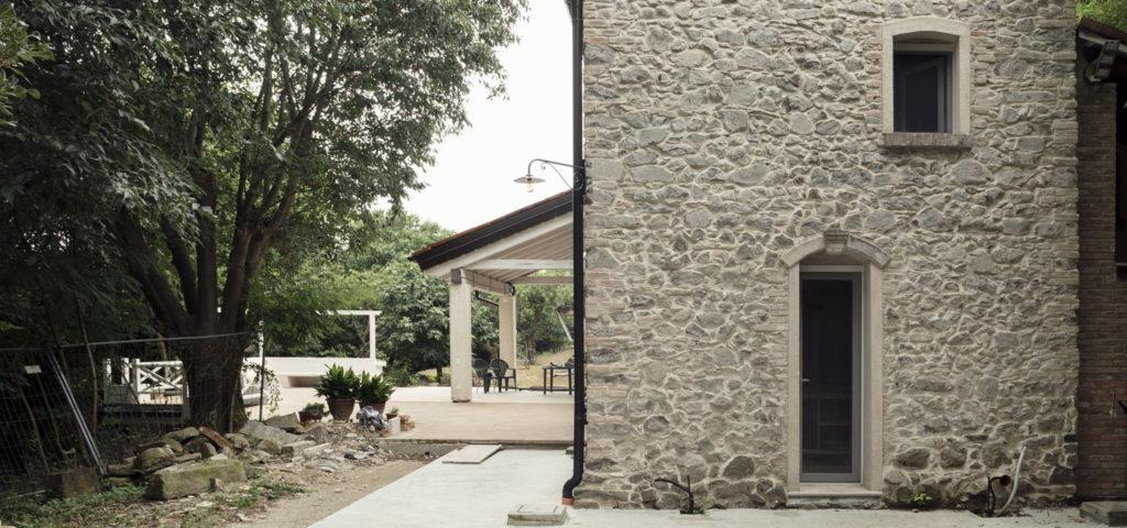 Casa Di Pietra Estarna E Termointonaco Interno Di Banca Della Calce