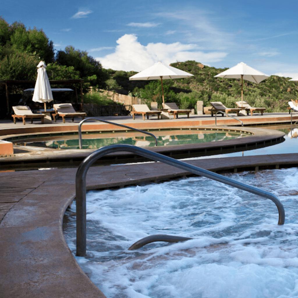 rivestimento piscina esterna in Tadelakt